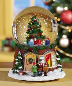 Christmas Dreams Holiday musical snow globe