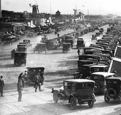 The Great Highway as a busy dirt road in front of the Esplanade, Ocean Beach, San Francisco (ca. 1920)