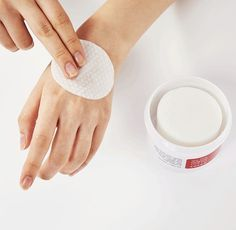 COSRX One Step Original Clear Pads are perfect for on-the-go pimple emergencies that transform your skin by reducing redness and irritation & clearing pores Cosrx, Dull Skin, Organic Coconut Oil, Skin Brightening, Korean Skincare, Pimples, First Step, Australia, Skin Care