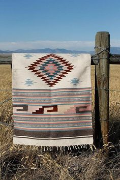 This looks wonderful in the great outdors! Vintage Wool Navajo Style Saddle Blanket or Rug Woven Ethnic Southwest Decor, Southwestern Decorating, Southwest Style, Motif Navajo, Navajo Rugs, Le Style Navajo, Xingu, Saddle Blanket, Handmade Rugs