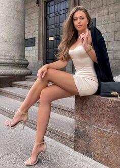 #tshirtstyles #tshirtstyleexploreyourmood #tshirtstyler #tshirtstyle #tshirtstylé #tshirtstylelife #tshirtstylesenseimurah #tshirtstyleonline #tshirtstylekorea #tshirtstyletips Bikini For Women, Bikini Girls, Angelina Jolie, Women's Fashion Dresses, Sexy Dresses, Bohemian Bikini, Cute Bodysuits, Fringe Fashion, Floral Bikini