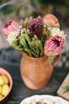 Carmen and Ingo Carnation Centerpieces, Succulent Centerpieces, Floral Centerpieces, Valentine's Day Flower Arrangements, Wedding Arrangements, Carnation Wedding, Floral Wedding, Gerbera, Desert Rose