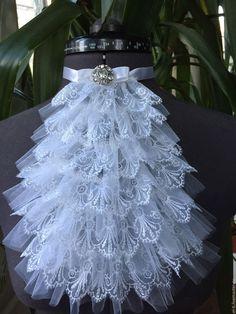 Baby Girl Fashion, Pink Fashion, Fashion Dresses, Vintage Fashion, Medieval Fashion, Gothic Fashion, High Neck Shirts, Chicken Crafts, Decorated Wine Glasses
