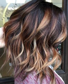 Awesome 50+ Beautiful Fall Hair Color To Look More Pretty https://oosile.com/50-beautiful-fall-hair-color-to-look-more-pretty-10208