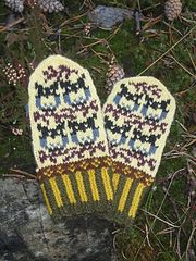 Ravelry: Little Owls pattern by Natalia Moreva Fingerless Mittens, Knit Mittens, Knitted Gloves, Owl Patterns, Knitting Patterns, Crochet Patterns, Bird Barn, Owl Crafts, Knitted Animals
