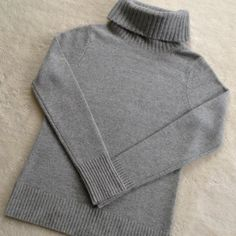 """Ann Taylor cashmere sweater  Cashmere!  Never worn!  Measures 16"""" long from armpit Ann Taylor Sweaters Cowl & Turtlenecks"""