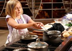 Although she is the youngest in the competition, Sara is feeling confident Masterchef Junior, Cooking Competition, Gordon Ramsey, Professional Kitchen, Cooking With Kids, Master Chef, Tv, Chefs, Confident
