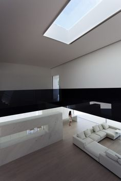 Balint House by Fran Silvestre Arquitectos 16