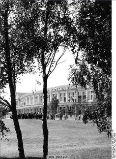 Im olympischen Dorf. Berlin, 1936. o.p.