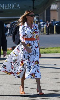 Atuendo Melania Trump style See the first lady's latest looks - Foto 5 Do You Need Childcare W Donald Trump Wife, Milania Trump Style, First Lady Melania Trump, Melania Trump Dress, Moda Outfits, African Dress, Classy Outfits, African Fashion, Dress To Impress