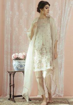 Nikkah Dress, Pakistani Wedding Dresses, Pakistani Outfits, Pakistani Clothing, Desi Wedding, Wedding Attire, Indian Attire, Indian Wear, Desi Clothes