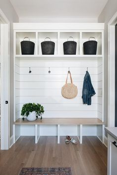 Shiplap Mudroom Wall The mudroom features shiplap and custom cabinetry with White Oak seat Shiplap Mudroom Wall Shiplap Mudroom Wall Shiplap Mudroom … – Laundry Room Modern Farmhouse Interiors, Farmhouse Homes, Interior Design Farmhouse, Industrial Farmhouse Decor, Modern Farmhouse Style, Farmhouse Ideas, Industrial Furniture, Design Scandinavian, Mudroom Laundry Room