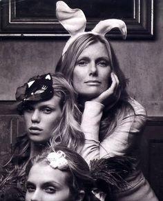Patti Hansen and daughters Alexandra & Theodora Richards