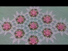 Caminho de mesa / Trilho de mesa Feito com Flor Bico 6 Pétalas Parte 02 ...