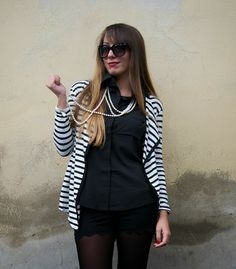 #chic #stripes #pearl #blackandwhite #chanel #fashioblogger #outfit