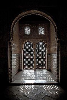 Alhambra window, Spain Islamic Architecture, Art And Architecture, Arabesque, Granada Andalucia, Andalusia Spain, Alhambra Spain, Granada Spain, Window Art, Moorish