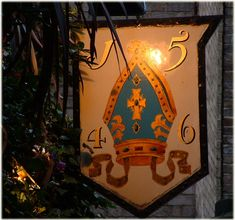 The Origins of the pub signs. In 1393 King Richard II decreed that pubs must… Pub Signs, Shop Signs, Blade Sign, British Pub, Old Pub, Cafe Interior Design, London Pubs, Past Life, Signage
