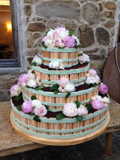 wedding cake Flowers by Jardin Divers www.jardindivers.it @jardindivers wedding in tuscany, tuscany wedding, wedding in italy, italian wedding, chianti wedding, volpaia, romantic wedding, flower wedding, flowers, wedding flowers