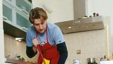 Cocinar gusta, pero mancha. Mantener la cocina limpia exige un trabajo diario y constante. Y para hacerlo no hay porque gastar mil y un productos d...