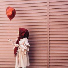 53 new Ideas style hijab casual beautiful Hijab Casual, Hijab Dp, Simple Hijab, Stylish Hijab, Hijab Stile, Stylish Work Outfits, Hijab Chic, Stylish Girl, Hijab Hipster