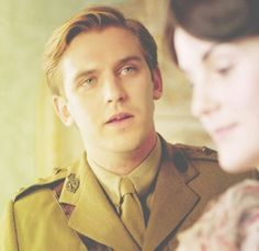 Matthew Crawley...this face sums up season 2. And I'm like JUST GET MARRIED ALREADY!!!