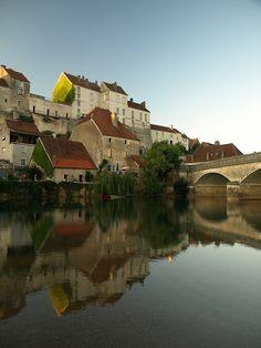 Medieval, Pesmes, France