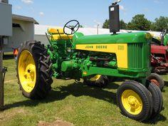 John Deere 530 Tractor