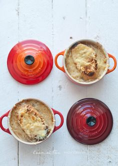 If you think Le Creuset mini cocottes are super cute and want to find some recipes, here is a list for you! The Le Creuset mini cocotte recipes. Casserole Recipes, Soup Recipes, Cooking Recipes, Dinner Recipes, Oven Cooking, Cooking Food, Yummy Recipes, Empanadas, Mini Cocotte Recipe