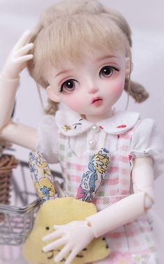 This is a fun bjd doll with the cute outfit and the like. High Quality Wig:Her hair is soft and shining, quality well-detailed hair job, you can easy to wash and design her hair style. And it is also very good to match clothes. Course content: 1 BJD doll + 1 set of clothes + 1 wig + 1 pair of socks + 1 pair of shoes + makeup face. #bjd #bjddoll #blonde #toy #gifts #giftideas #giftidea #wallpaper #clothe #clothes #shoe #shoes #wig