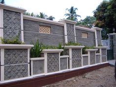 35 Fabulous Modern Fence Design Ideas Best For Your Privacy - Fencing Contractors Would Dare Say That They Are Vital To Your Home Construction Needs. This Is Due To The Fact That Even Before Your Guests And Visit. House Fence Design, Front Wall Design, Modern Fence Design, Home Design, Boundry Wall, Affordable Bedroom Sets, Compound Wall Design, Model Homes, Outdoor Walls