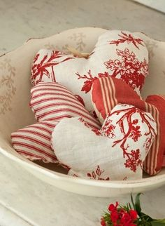 And in the spirit of Valentine's Day, vintage red and white fabric hearts fill a small bowl. Valentines Day Hearts, Vintage Valentines, Be My Valentine, Christmas Hearts, Christmas Christmas, Christmas Themes, Valentine Decorations, Valentine Crafts, Valentine Ideas