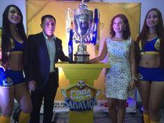 Presentan la copa que darán al campeón de la liga en Honduras