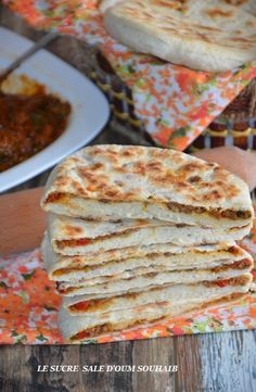 pan-fried bread stuffed with vegetables Chapati, Quesadillas, Pan Fried Bread, Burritos, Veggie Recipes, Snack Recipes, Healthy Snacks, Healthy Recipes, Easy Smoothie Recipes