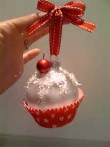 Every year I make Mia's class ornaments for Christmas....may do this this year