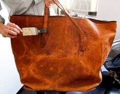 Vintage Leather Tote. My type of purse <3