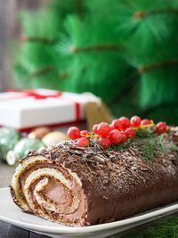 kormos sokolatas Christmas Goodies, Christmas Desserts, Mole, Home Bakery, Macaron Recipe, Christmas Cooking, Greek Recipes, Food To Make, Food Porn