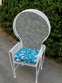 Hey, I found this really awesome Etsy listing at https://www.etsy.com/listing/208428838/rare-russell-woodard-patio-chair-outdoor