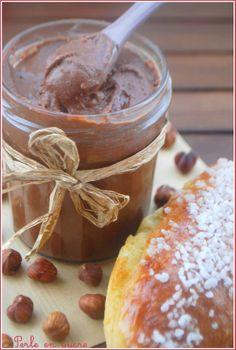 La pâte à tartiner de Christophe Michalak Thermomix Desserts, Easy Desserts, Dessert Recipes, Chefs, Compote Recipe, Pastel Cakes, Good Food, Yummy Food, Chutney