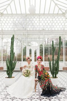 Bright colorful Frida Kahlo inspired wedding editorial | Wedding & Party Ideas | 100 Layer Cake
