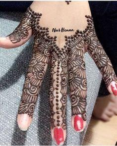 Details  #henna #hennatattoo #mehndi #art #style #artsy #artist #picture #hennaart #f4f #parisienne #wedding #bride #tattoo #bodyart #glam #artwork #flowers #design #creative #color #drawing #photography #gallery #work #beauty @hennainspo_ @hennainspire