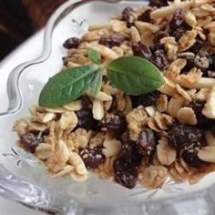 Breakfast And Brunch, Almond Maple Granola, This Granola Is Good And Crunchy With Lots Of Sweet Flavor, Thanks To The Pure Maple Syrup And Dark Brown Sugar. Brunch Recipes, Breakfast Recipes, Breakfast Ideas, Morning Breakfast, Maple Granola Recipe, Quinoa Breakfast, Healthy Snacks, Favorite Recipes, Maple Syrup
