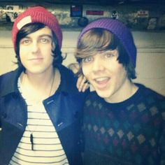 Damon fizzy and Kellin Quinn .. don't know who this Damon character is.. BUT KELLIN THOUGH!!!