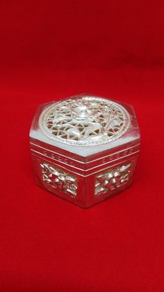 ANTIQUE CHINESE EXPORT SILVER BOX WITH FLORAL PRINT