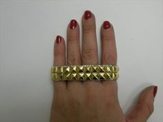 DIY Studded Duct tape Bracelet | 101 Duct Tape Crafts Please follow us @ http://www.pinterest.com/ducktapesale/