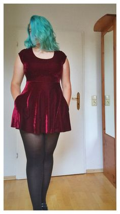 Dark red velvet skater dress by Julia Badow #plussize #skaterdress