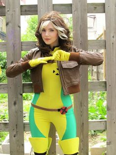 Rogue from X-Men: The Animated Series : <b>Cosplay costumes done right!</b> Some of these costumes will blow you away. Cosplay costumes done right! Some of these costumes will blow you away. Hallowen Costume, Halloween Cosplay, Cool Costumes, Cosplay Costumes, Costume Ideas, X Men Costumes, Nerd Costumes, Witch Cosplay, Amazing Costumes