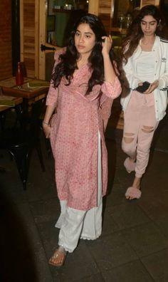 Best 12 Indian ethnic – Page 574842339937914860 Kurti Designs Party Wear, Salwar Designs, Indian Attire, Indian Ethnic Wear, Indian Wedding Outfits, Indian Outfits, Salwar Dress, Patiala Salwar, Sharara