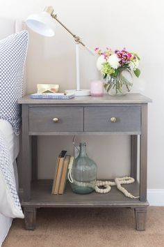 Learn how to build your own DIY Pottery Barn-Inspired Sausalito bedside table with free plans by Jen Woodhouse. How to build a nightstand tutorial.