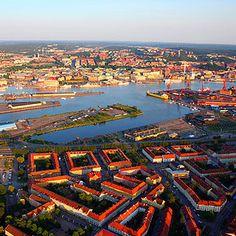 Excursión Gotemburgo histórico a partir de 54 € Cities, River, Outdoor, Gothenburg, North Sea, European Travel, Cruises, Sweden, Paths