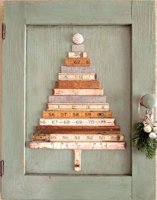 A great way to repurpose your vintage rulers or yard sticks! styleitchic: 15 MIN DIY: ΕΝΑΛΑΚΤΙΚΑ ΧΡΙΣΤΟΥΓΕΝΝΙΑΤΙΚΑ ΔΕΝΤΡΑ
